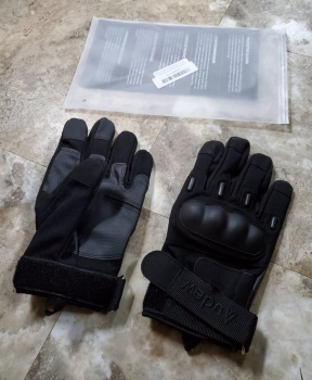 Packaging and gloves