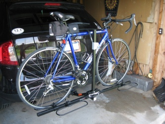 Mounted on Ford Edge, with road bike.