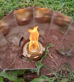 The Famgee Alcohol Stove and N-A Brand Windscreen