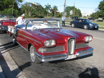 Our evening tour of Havana in a 1954 Edsel